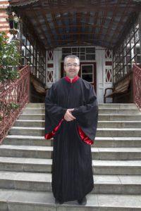 Пред католикона на Зографския манастир, в навечерието на зимния празник на св. вмчк Георги
